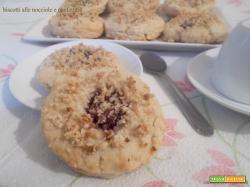 Biscotti alle nocciole e confettura