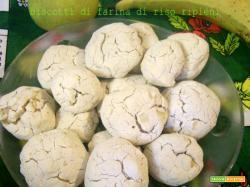 Biscotti di farina di riso ripieni