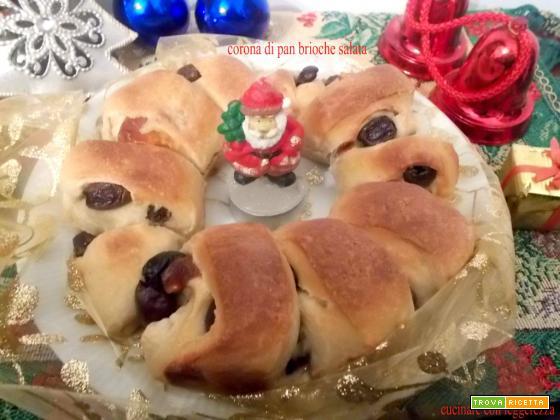 Corona di pan brioche salata - lievito madre - centro tavola natalizio