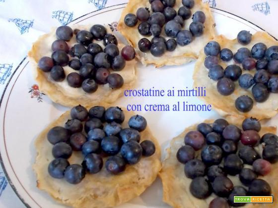 Crostatine ai mirtilli con crema al limone