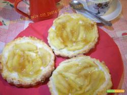 Crostatine di mele con pasta frolla e crema pasticcera light