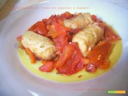 Fiori di nasello al forno con peperoni e pomodori