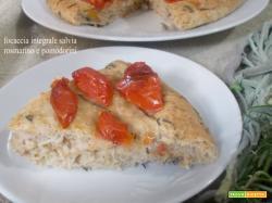 Focaccia integrale salvia rosmarino pomodorini con lievito madre