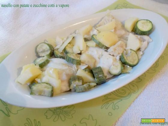 Nasello con patate e zucchine cotti a vapore