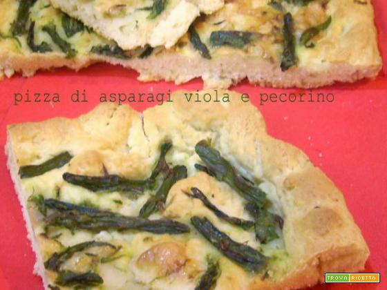 Pizza di asparagi viola e pecorino
