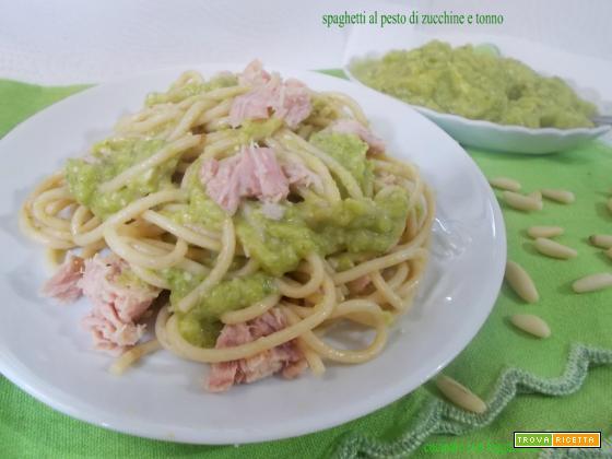 Spaghetti al pesto di zucchine e tonno
