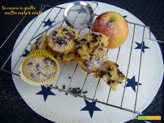 Muffin del buongiorno...mele, miele e cioccolato