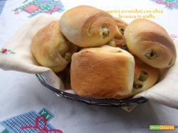 Panini arrotolati con olive