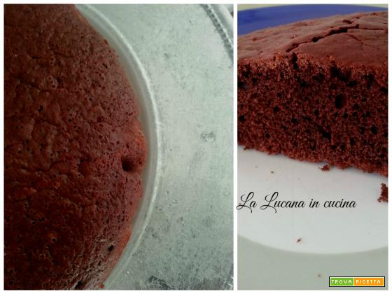 Torta all'acqua al cacao e rum