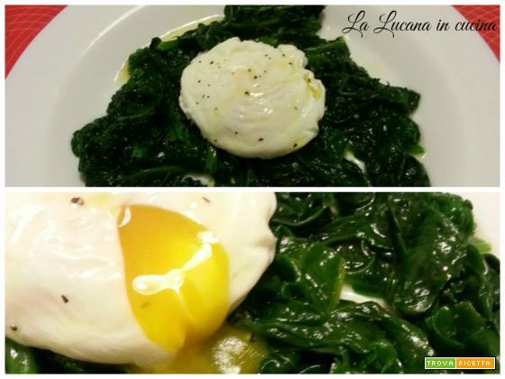 Uovo in camicia con spinaci