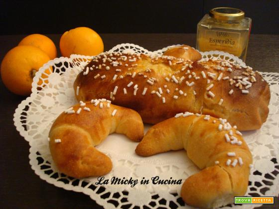 Pan Brioche con Lievito madre all'arancia e mandorle