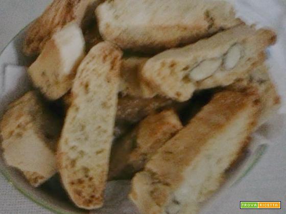 Biscotti di mandorle siciliani, anice limone mandorle