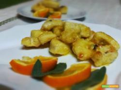 Bocconcini di pollo in padella all'arancio.
