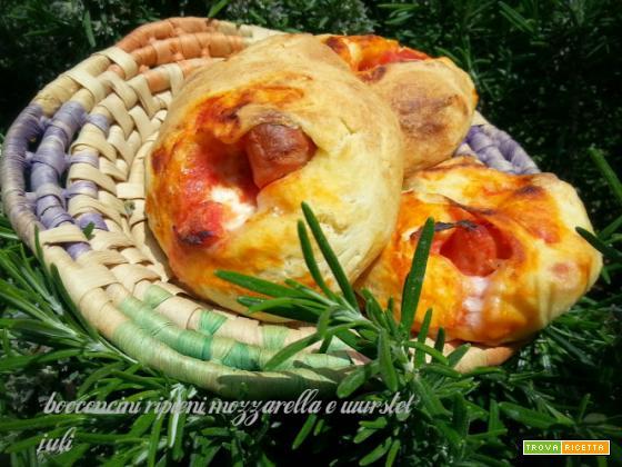 Bocconcini ripieni mozzarella e wurstele
