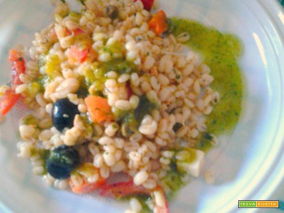 Orzo perlato, di verdure, piatto freddo
