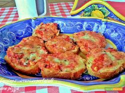 Pane pizza, mozzarella, origano, pomodorier