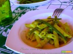 Pasta con fagiolina pinoli aglio basilico cipolla pasta penne