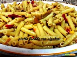 Pasta fredda tonno pomodorini olive basilico mozzarella tonno