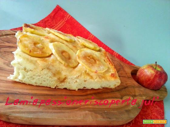 Pizza con mele e cannella, zucchero di canna mele ROSSE