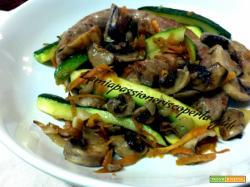 Scaloppine di salsiccia funghi carote zucchina prezzemolo aglio