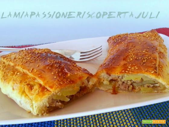 Sfoglia con patate e salsiccia