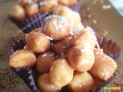 Struffoli pignolata ricetta dolce