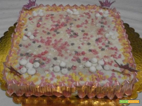 Torta con ricotta condita ti cioccolata caramelle decorate per torta