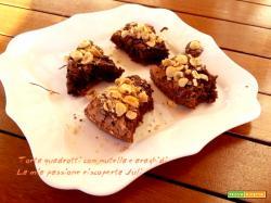 Torta quadrotti, nutella e araghidi, simile alla parodi