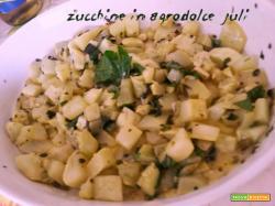 Zucchine agrodolce con aceto aromi zucchina verde lunga