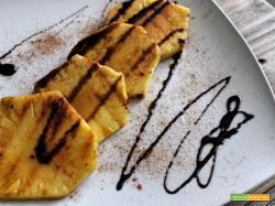 Ananas ai ferri con miele, ciocco e cannella
