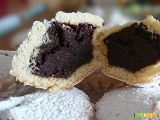 Buccunotti calabresi con cuore di mandorle e cioccolato
