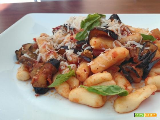 Cavatelli home made alla norma