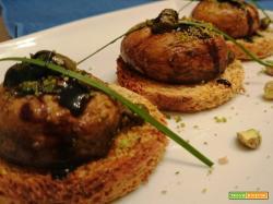 Champignon alla griglia con granella di pistacchio e aceto balsamico