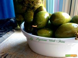 Olive verdi in salamoia con soda