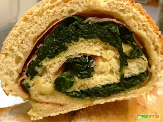 Pane farcito con speck e spinaci