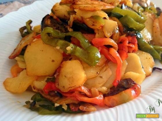 Patate fritte peperoni e melanzane