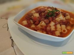 Zuppa di fagioli borlotti con ditalini rigati