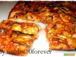 PIZZA CON VERDURE E PARMIGIANO