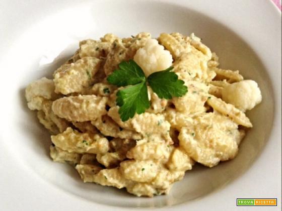 Ricetta Gnocchetti sardi con crema di cavolfiore pistacchi e panna