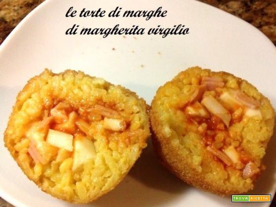 Arancini di riso alla siciliana con ragu