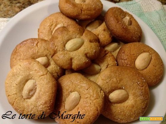 Biscotti pasta di mandorle fatti in casa