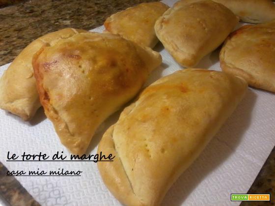 Calzone con salame tipico lucano ricetta