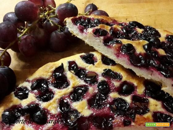 Focaccia con uva fragola - morbida......