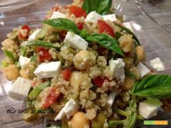 Insalata di quinoa con verdure e feta...