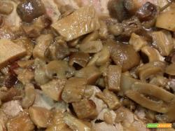 rollè di vitello ripieno con salsiccia e funghi
