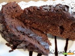 Torta al cioccolato molto cioccolatosa..