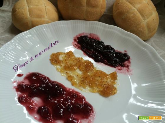 Tempo di marmellate (albicocche, more, fragole, fichi)