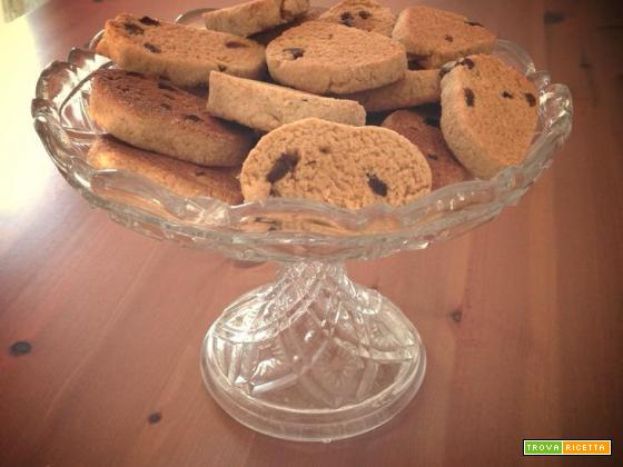 Biscotti integrali con miele e uvetta