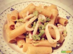 Rigatoni con calamari e broccolo romano