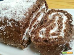 Rotolo di cioccolato con panna, nutella e cocco
